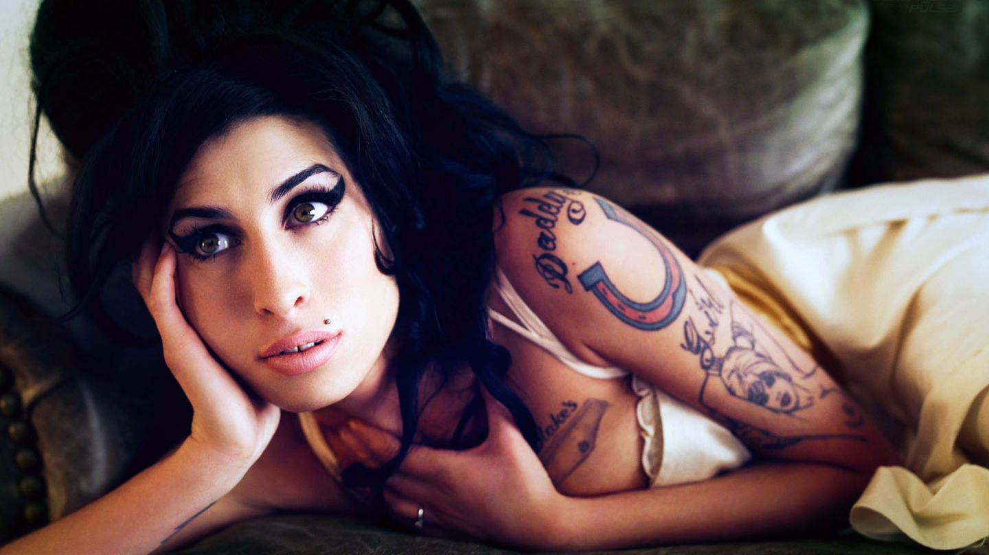 AMY WINEHOUSE la sua vita in un docufilm ARMY