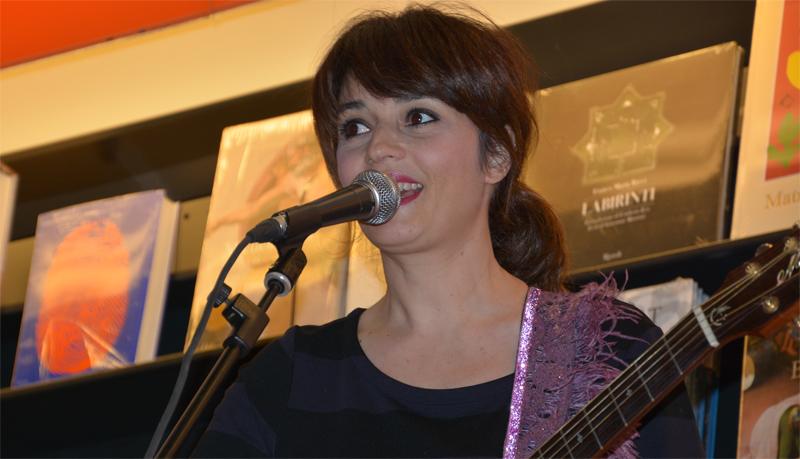 CARMEN CONSOLI diventa conduttrice radiofonica
