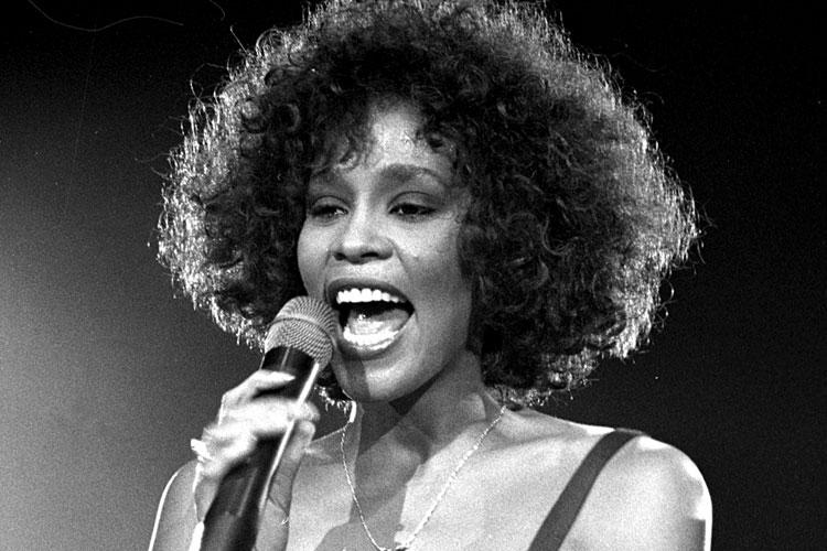 WHITNEY arriva al cinema il docufilm su Whitney Houston