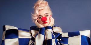 KATY PERRY online il nuovo singolo SMILE